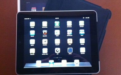 Selling my Apple Ipad 1 64GB with 3G